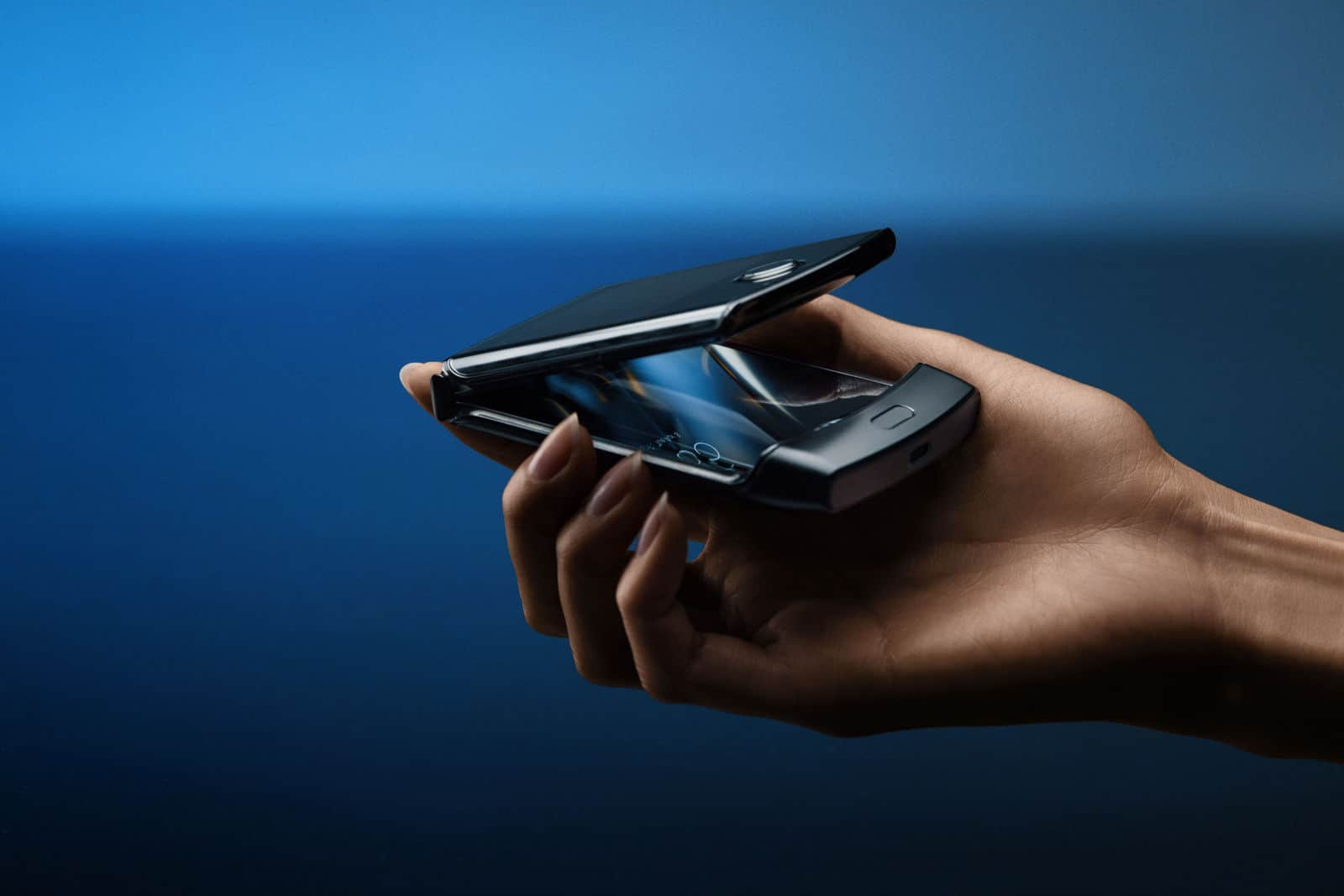 Moto Razr Is Back: Now It's A Foldable Smartphone - 5