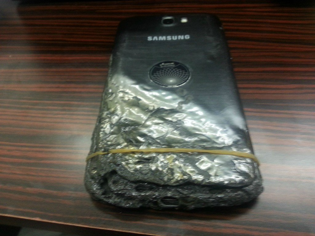 galaxy-note-2-burned-down-2