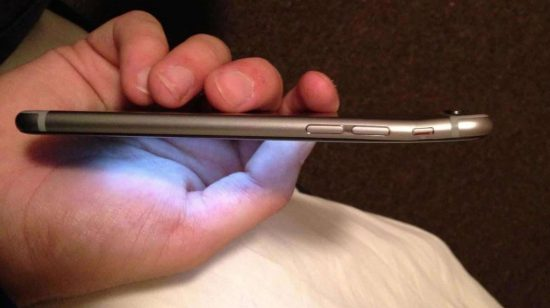iPhone 6 Plus facing severe bend problems - 1