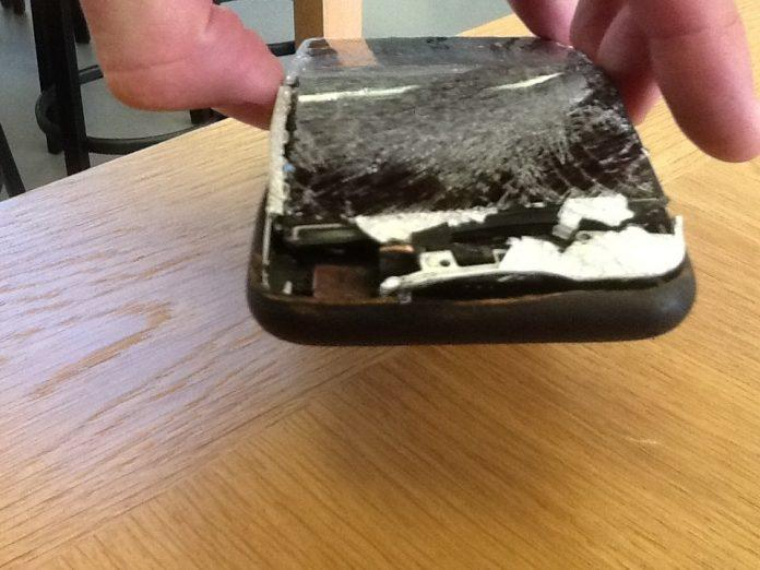 iPhone 6 bursts in pocket and causes second degree burn - 2
