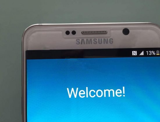 Samsung Galaxy Note 5 & S6 Edge+ live images leaked: Shot with iPhone 6 :p - 1