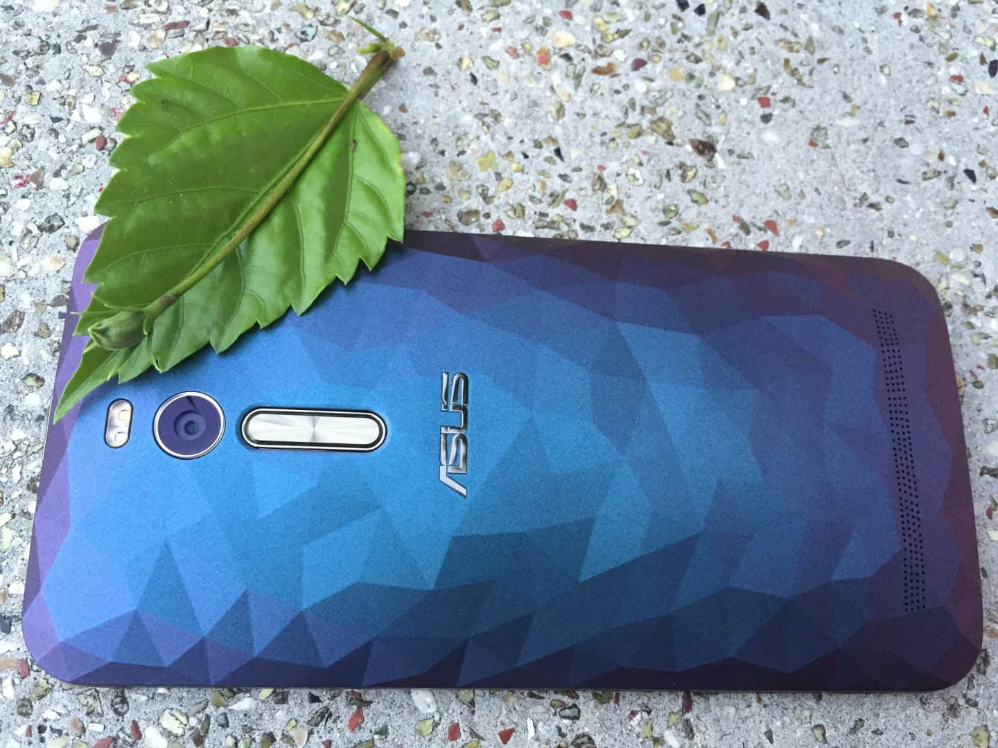 Asus ZenFone 2 Deluxe Review: The current best Intel based High-end Smartphone - 6