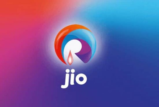 Celebs go beyond their level to tweet about Reliance Jio on its launch - 1