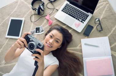 Top 7 gadgets to have in the summer vacation