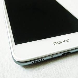 Huawei Honor 5C Review - A Budget Package Deal! - 6