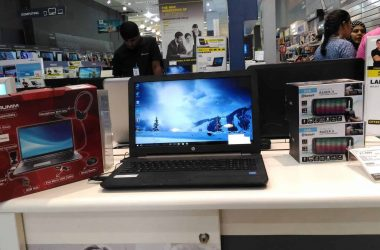 Exploring the #BootUpYourLife Campaign at Reliance Digital | My Experience in buying a HP laptop - 1