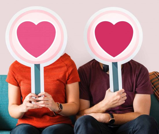 Quit Being Single, and Mingle with someone by Installing a Dating App - Choose one from the Ten! - 1