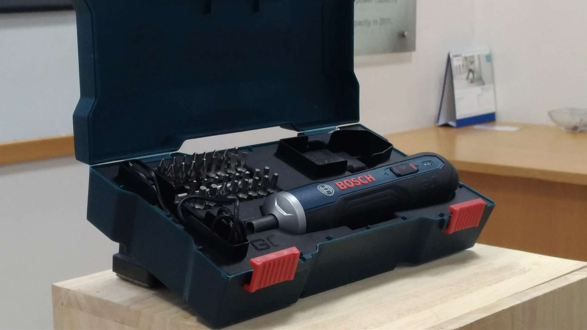 Bosch GO - The Only Smart Screwdriver You Will Ever Need! - 1