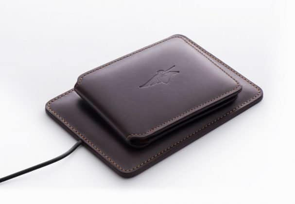 What if I Tell You, I found a Wallet that can Charge Your Phone, Give Wi-Fi Access, Catch Thief and much more! - 2