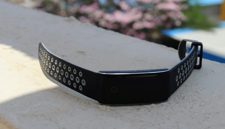 Bakeey Q8S Smart Wristband Review - Add Color to Your Fitness Routine! - 2