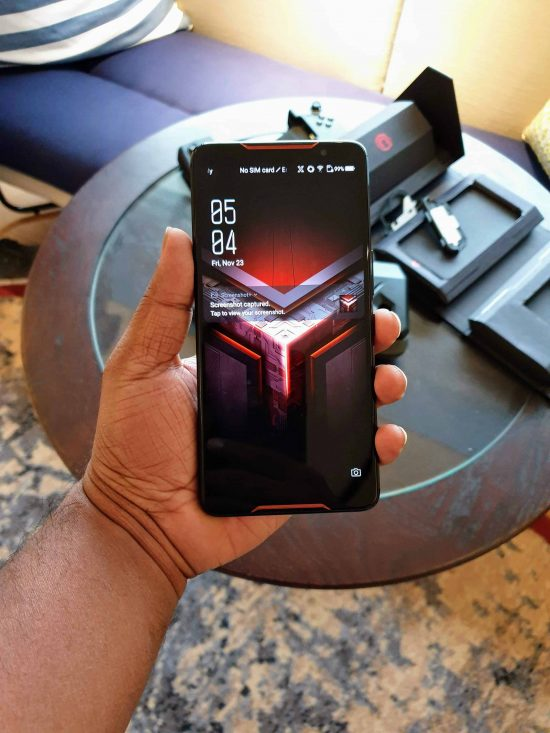 Asus ROG Phone Hands-on & First Impressions - The Real #GameChanger ? - 1