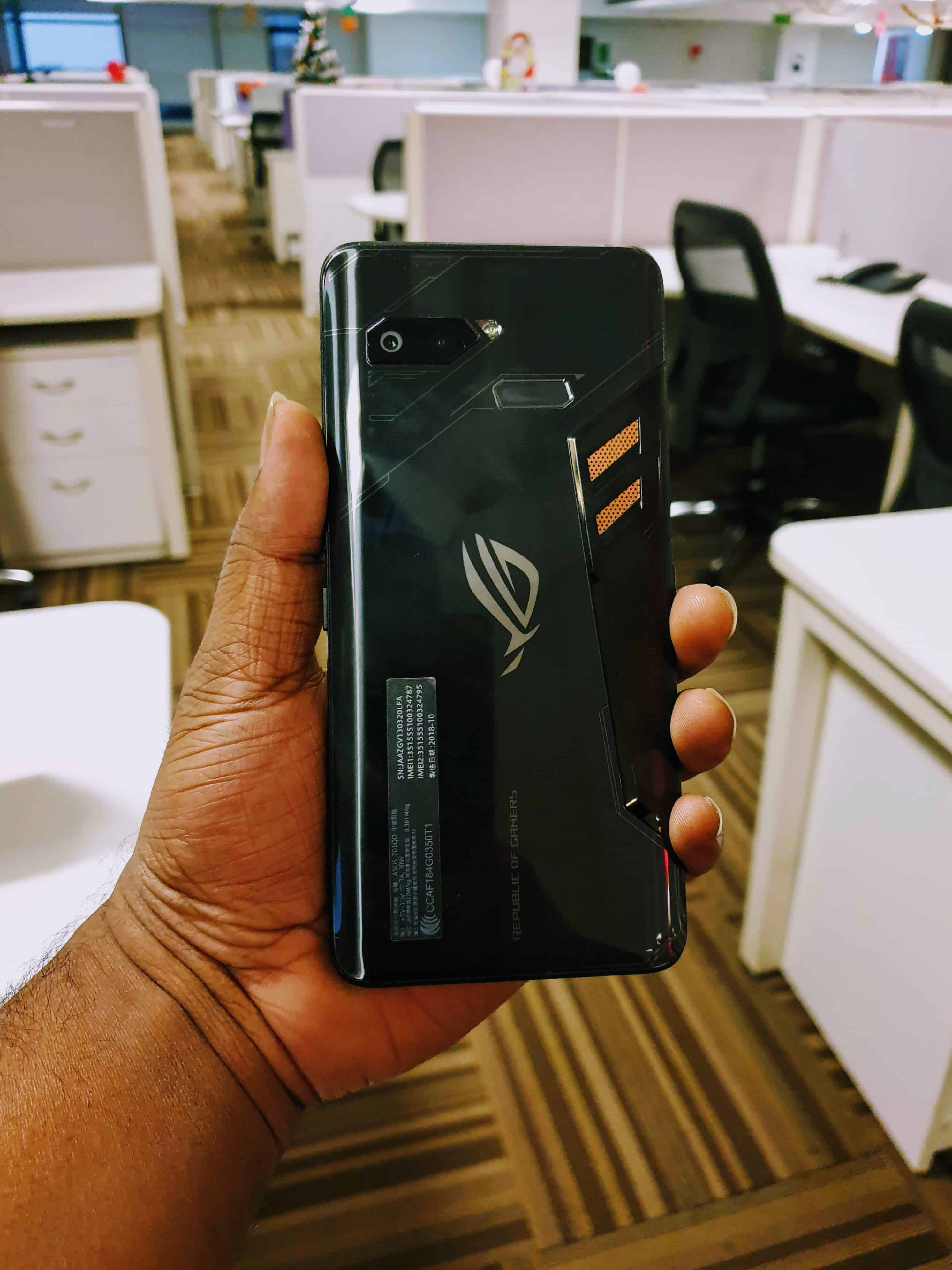 Asus ROG Phone Review - Should You Buy it? - 1