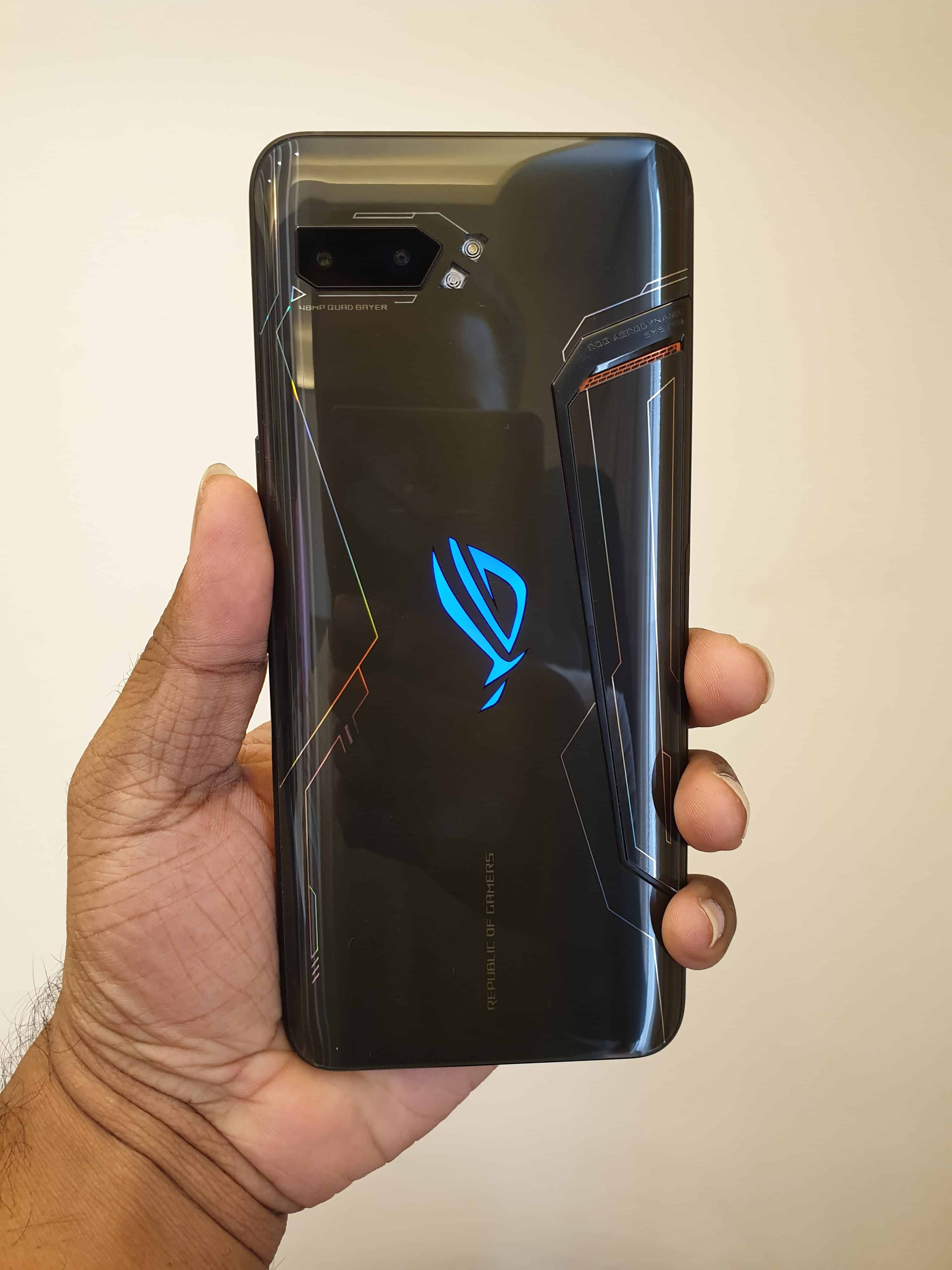 ROG Phone II Hands-on Review - My First Impressions On the Next-Gen Gaming Phone - 3